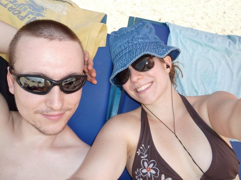 wir, relaxt am Strand von Betelbatim