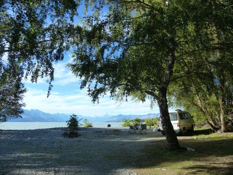 """...unser Wahnsinns-Stellplatz direkt am """"Lake Pukaki"""" mit Blick auf die Gletscher... :)"""