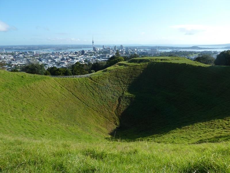 Mt. Eden Krater, mit tollem Rundumblick auf Auckland