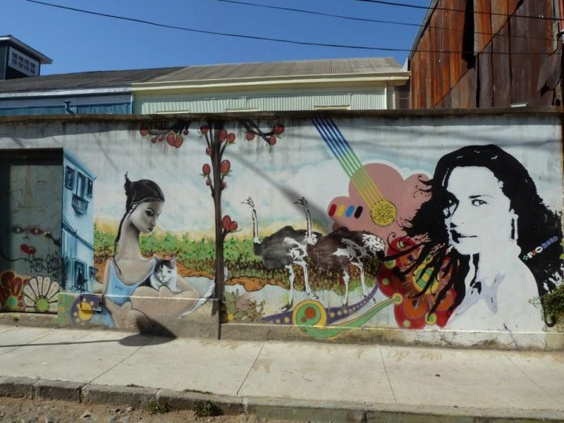 ...an jeder Ecke ein Kunstwerk an der Fassade :)
