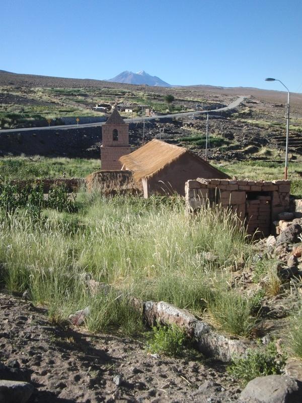 Kirche aus der Kolonialzeit im Dorf Socaire
